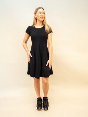 Emporio Armani tailliertes Kleid mit Tellerrock und kurzarm in schwarz