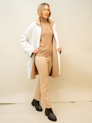 Agnona Doubleface Cashmere Mantel mit großen Taschen in zartem ecru-camelton
