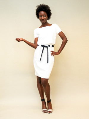 Emporio Armani Etuikleid aus Jersey mit Taillenband in reinem weiß